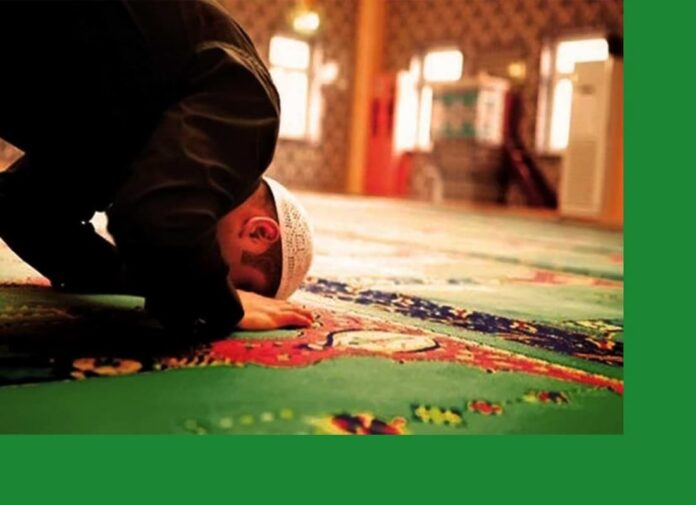 how many times a day do muslims pray, pray to allah, arabic prayer, praying in islam, why do muslims pray, 5 times prayer, how many times do muslims pray, islamic daily prayers, what do muslims pray to, 5 prayers of islam in english,